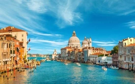 Слика на Венеција ( Фиренца-Верона- Сирмионе) 2НП - Велигден